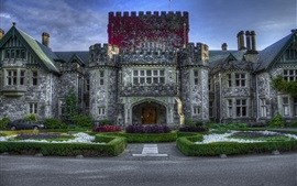 Preview wallpaper Canada, castle, garden, blue sky, dusk