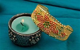Aperçu fond d'écran Bougies, flammes, accessoires de décoration en or