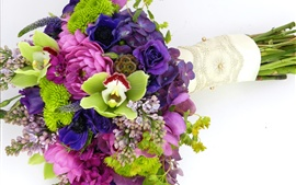 Flores coloridas, ramo, hortensias, orquídeas, anémonas