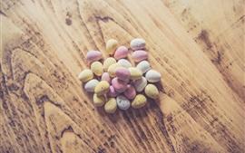 Coloridos huevos de codorniz