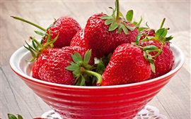 Preview wallpaper Delicious strawberry, red bowl