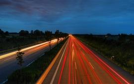 Carretera, líneas de luz, noche