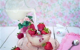 Preview wallpaper Strawberry dessert, milk