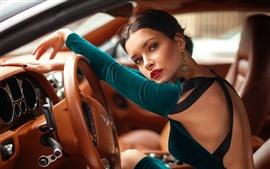 Bentley, menina, dirigindo