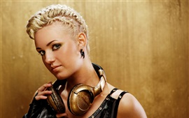 Preview wallpaper Blonde girl, hairstyle, makeup, headphones