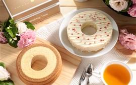 Cake, tea, flowers