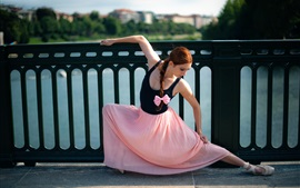 Dance girl, ballerina, city