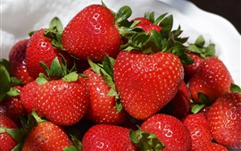 Preview wallpaper Delicious strawberries, ripe fruit