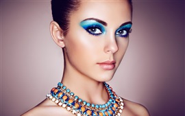 Fashion girl, portrait, maquillage, bijoux