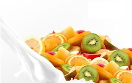 Preview wallpaper Fruit slices in milk