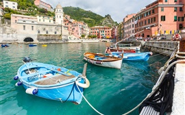 Preview wallpaper Italy, Cinque Terre, Vernazza, mountains, boats, people, Ligurian coast