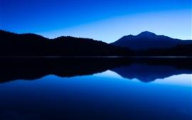 Montañas, lago, crepúsculo, la reflexión del agua