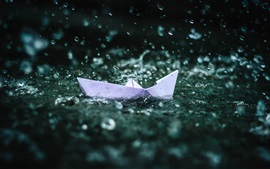 Preview wallpaper Origami boat, water splash