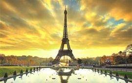 Preview wallpaper Paris, Eiffel tower, city, water, autumn, sunrise