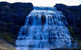 Захватывающие водопады, снизу