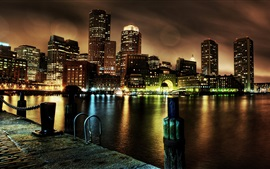 EE.UU., Boston, Massachusetts, rascacielos, muelle, noche, luces, río