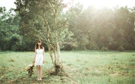 미리보기 배경 화면 흰 치마 아시아 소녀, 나무, 초원