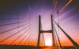 Ponte, por do sol, correntes
