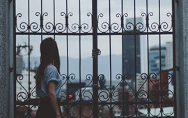 Preview wallpaper Girl look out gate