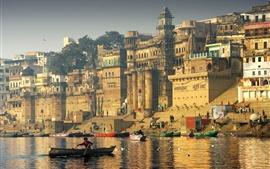 India, río, barcos, ciudad, gaviotas