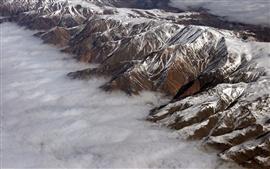 Montanha, neve, nuvens, vista de cima