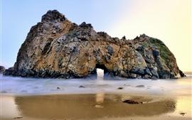 ファイファービーチ、カリフォルニア州、ビッグサー、アーチ、岩、海、アメリカ