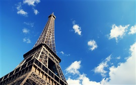 预览壁纸 艾菲尔铁塔,蓝蓝的天空,洁白的云朵