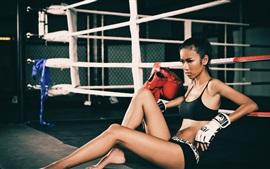 预览壁纸 健身亚洲女孩,拳击