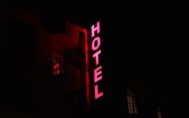 Iluminação do letreiro do hotel