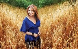Прекрасная девушка, улыбка, пшеничное поле