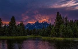 Montanhas, lago, floresta, pôr do sol, céu, nuvens, crepúsculo