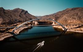 Río, puente, barco, montañas