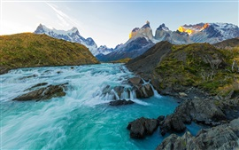 Fluss, Berge, Chile Landschaft