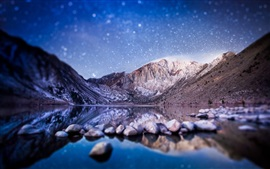 Tilt-shift photography, mountains, lake, stones, starry, blurry