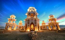 Templo maravilhoso ao entardecer, luzes