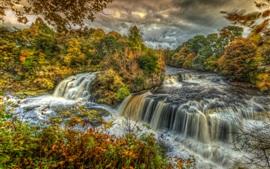 Outono, nuvens, montanhas, árvores, rios, cachoeiras