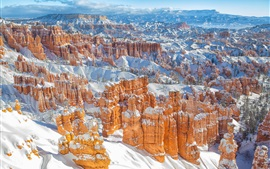 Preview wallpaper Bryce Canyon in winter, mountains, snow