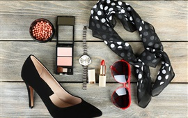 Glasses, watch, cosmetica, shoes, scarf
