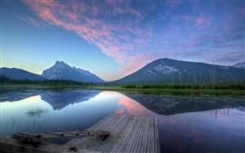 Lago, montañas, muelle, escalera, atardecer, reflejo de agua