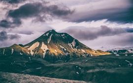 Cimeira das montanhas, neve, nuvens, crepúsculo