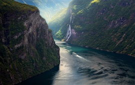 Noruega, fiorde, montanhas, navio, linda paisagem