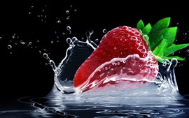 Preview wallpaper One red strawberry, water splash