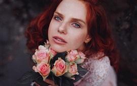 Aperçu fond d'écran Fille cheveux roux et roses roses