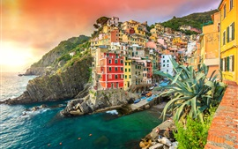 Preview wallpaper Riomaggiore, Italy, houses, sea, coast, village