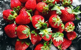 Preview wallpaper Ripe strawberries, red fruit