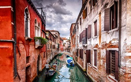 Preview wallpaper Venice, Gondola, houses, river, boats