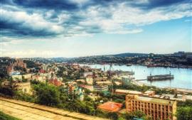 Vladivostok, Rússia, cais, navios, cidade, mar, nuvens