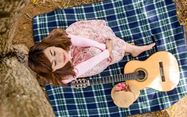 Preview wallpaper Asian girl, dream, guitar