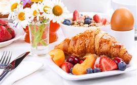 Desayuno, croissant, fruta, huevo, flores