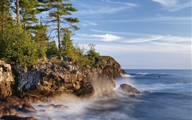 Canada, Lake Superior, trees, rocks